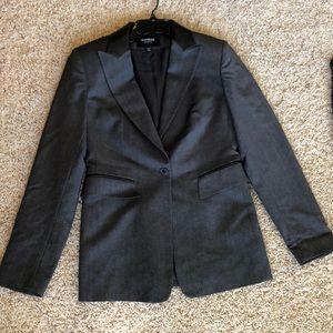 Express Suit Sz 3/4